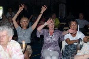 Enthausiast publiek bij onze meezingshow